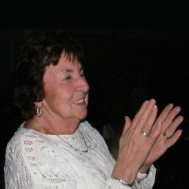 grandma-clap